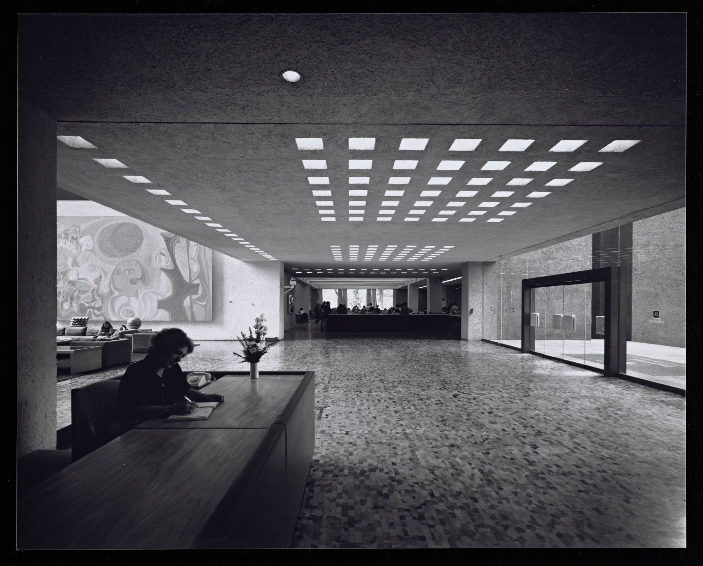 EDIFICIO DE OFICINAS SEGUROS AMÉRICA|Fotografía de : Julius  Shulman © J. Paul Getty Trust. Getty Research Institute, Los Angeles